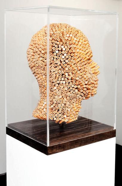 Joao Leonardo | Untitled (Head 6), 2011 Beatas de cigarros encontradas, base de carvalho, caoxa de vidro acrílico 25x25x40.5cm