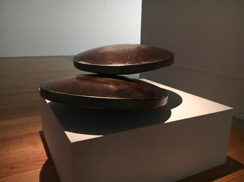 Susana Anágua | Sem título 2018 | ferro polido, ímanes